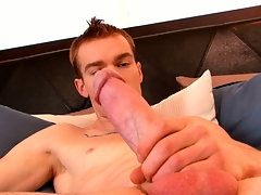 James Jamesson loves the feel of his hand on his cock before he cums