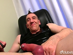 Mature Openly Marc Jerking Wanting His Invoice